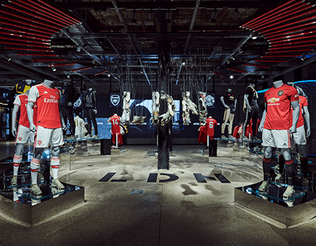 Adidas' flagship store LDN i London er et digitalt viduner